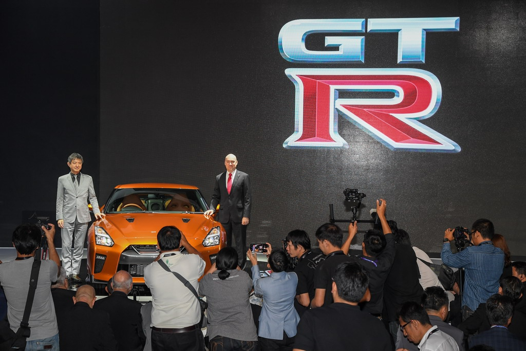 Nissan-GT-R_035_resize